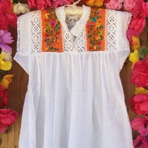 Mexican Embroidered top with lace